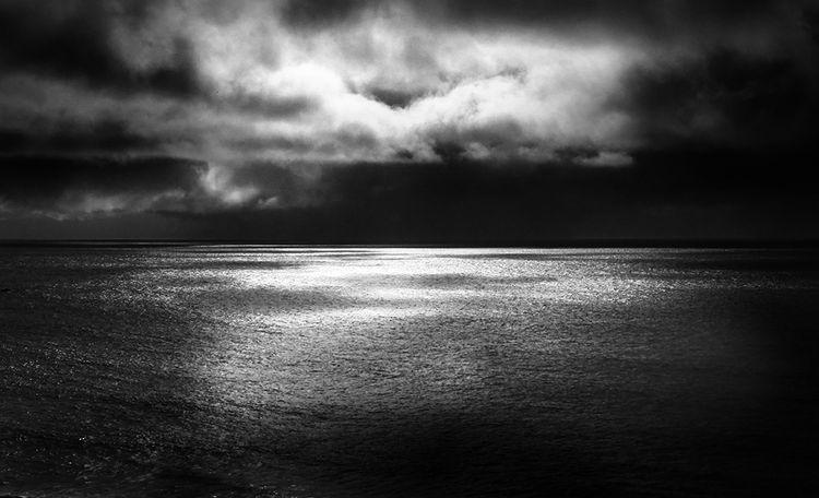 Dark Light by Chris Tuff - search and link Fine Art with ARTdefs.com
